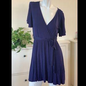 Lulu's V-neck mini dress